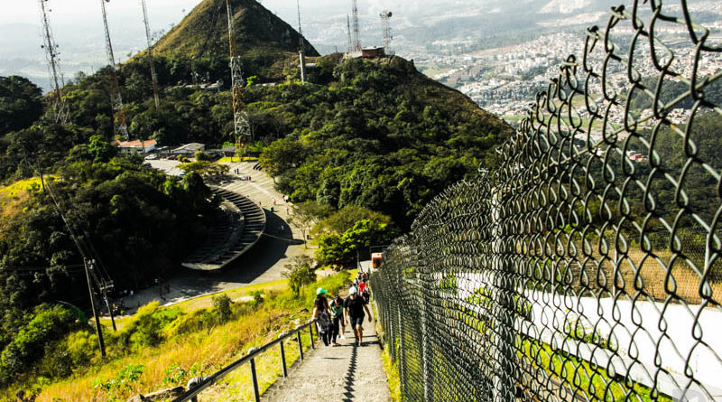 escadaria-parque-do-jaragua